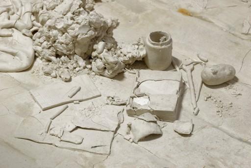 Disturbing Objects, Disquiet Objects Candice Lin, Un corps blanc exquis, 2017, Bétonsalon Paris, photo : A. Mole Perspektive