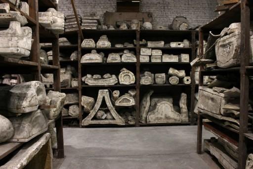 Disturbing Objects, Disquiet Objects Moulagenatelier. Cinquantenaire Museum, Brüssel, Foto: Pauline M'barek Perspektive