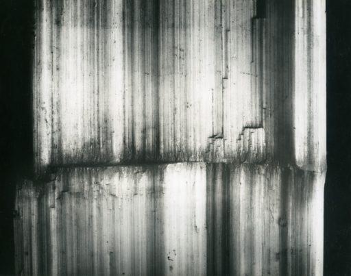 Cristal réel Alfred Ehrhardt, Courbe de croissance sur plâtre fibreux, Bristol, England, 1938/39 © Alfred Ehrhardt Stiftung Perspektive