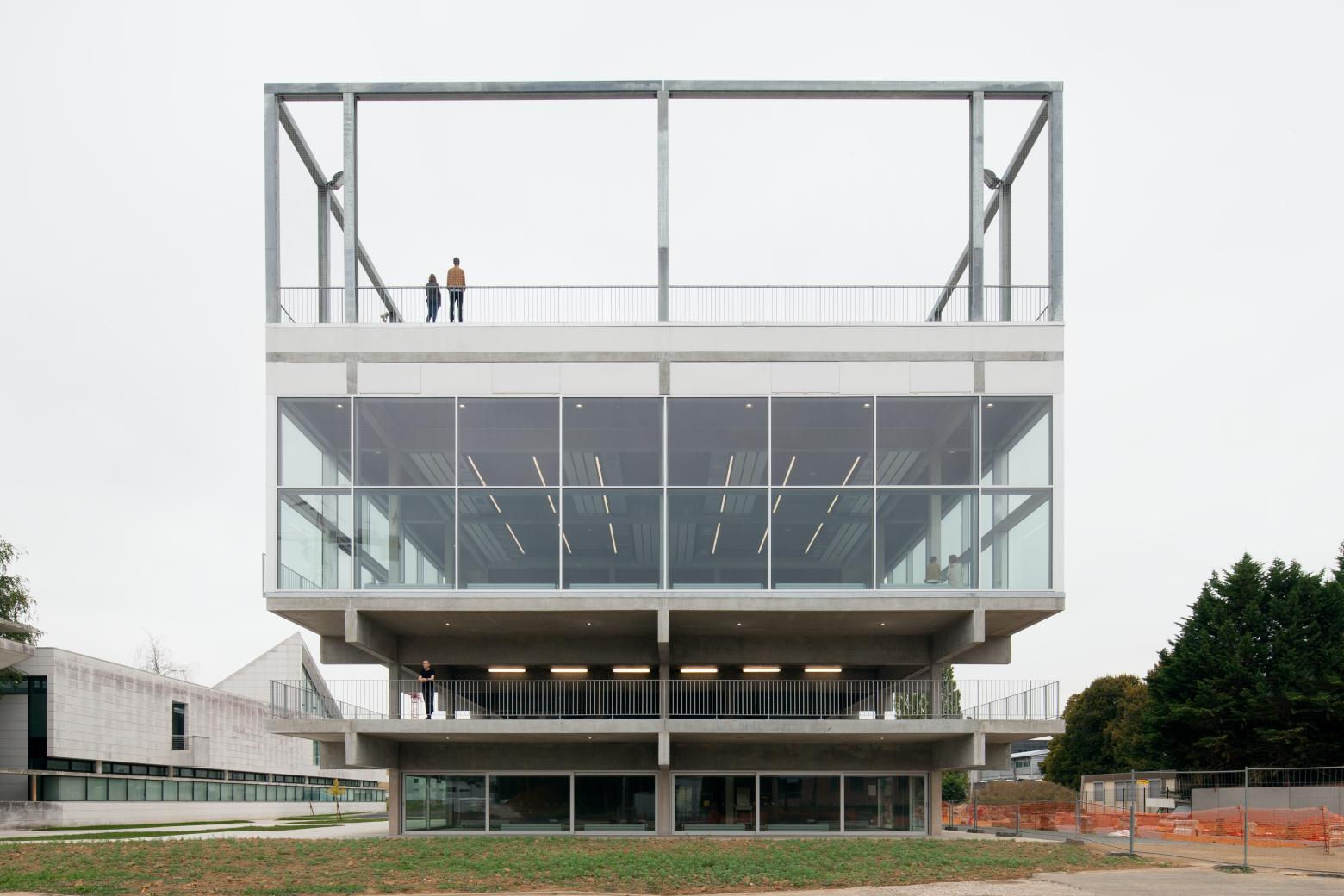 Die Architektur des Realen in Frankreich Muoto: Campusgebäude der Universität Paris-Saclay, 2011–2016, Foto: Maxime Delvaux Perspektive