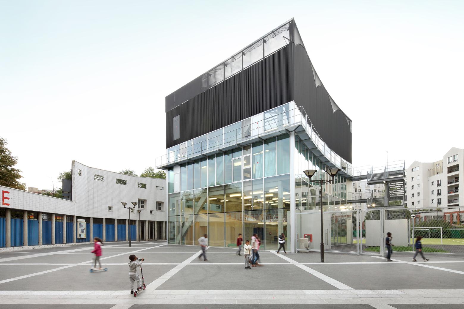 Die Architektur des Realen in Frankreich Bruther: Kultur- und Sportzentrum in Saint-Blaise, Paris, 2014 © Filip Dujardin Perspektive